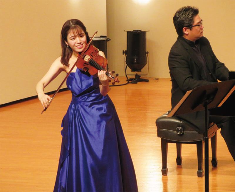 ヴァイオリンミューズ コンサート ヴァイオリン 髙木凜々子さん写真